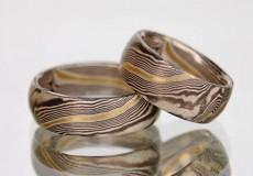 Mokume-Gane Ring: 2 Trauringe in Gelbgold,  Palladium und Silber